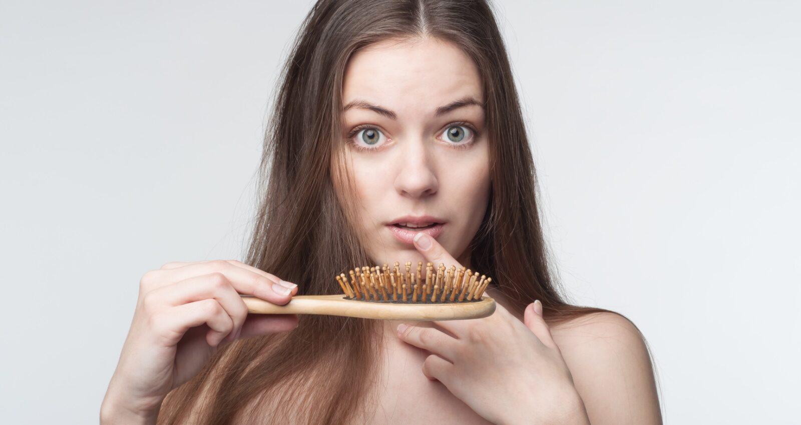 Domowe sposoby na wypadanie włosów - jakie istnieja